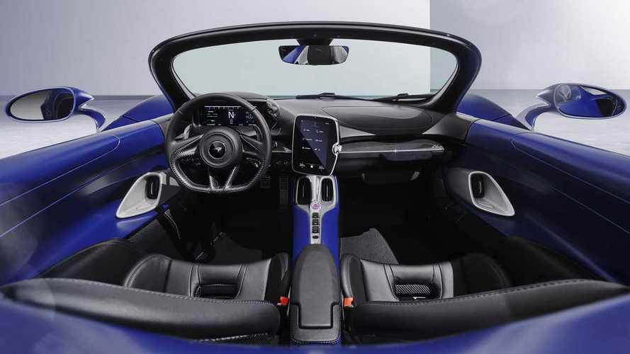 McLaren Elva променял «воздушный пузырь» на ветровое стекло