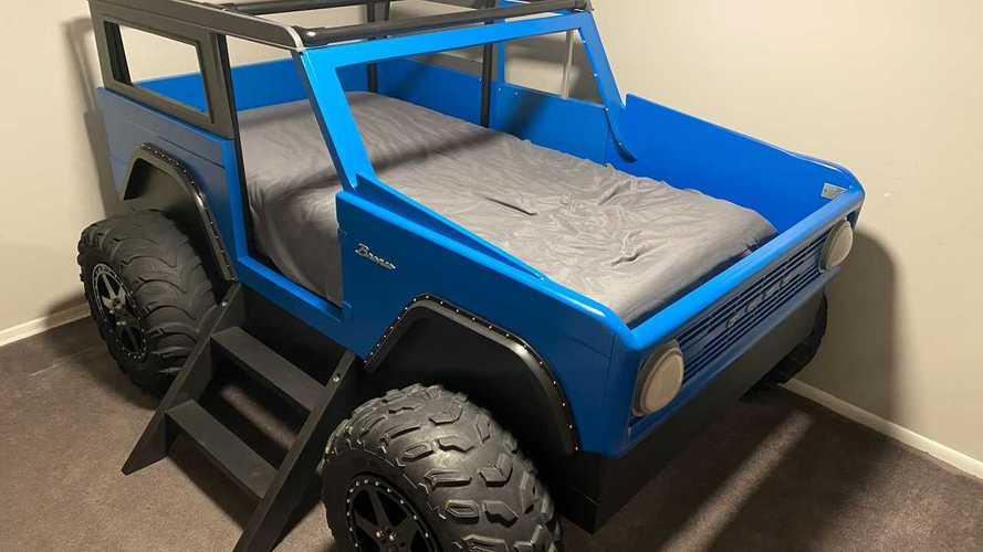 Уникальная кровать в стиле Ford Bronco
