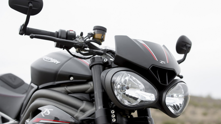 Triumph Speed Triple 1160 2021: beccata su strada