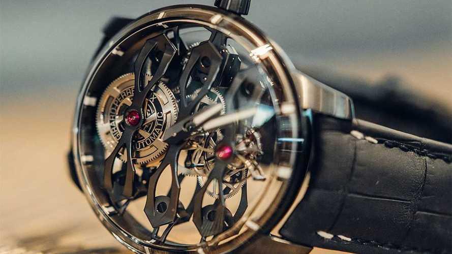 Aston Martin de kol saati ürettiriyor