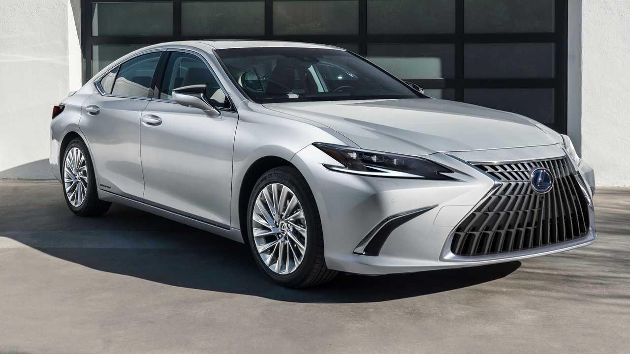 2022 Lexus ES elölnézet