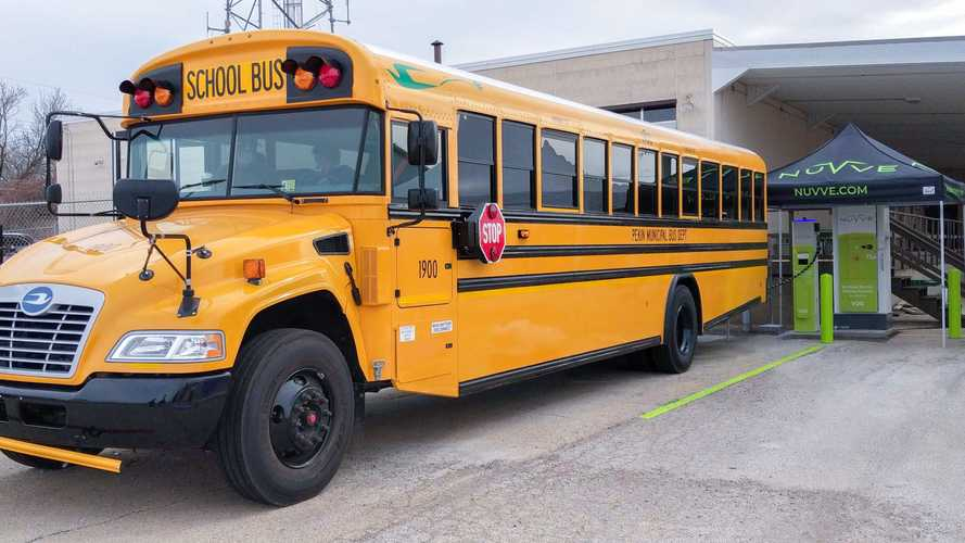 Blue Bird Delivers US First V2G-Capable School Bus In Illinois