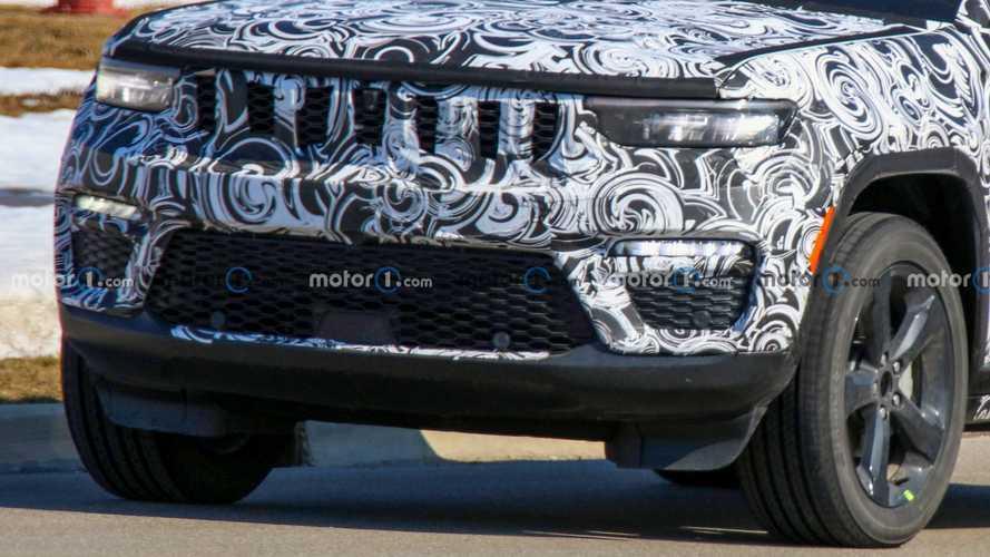 Nuova Jeep Grand Cherokee 5 posti, le foto spia