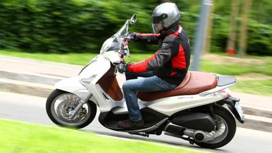 Piaggio Beverly 300 ie 2010 - TEST