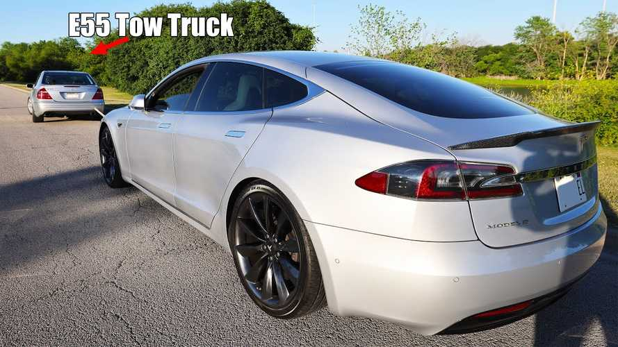 Towing A Tesla At 70 MPH Replenishes Battery At Fast Charger Rates