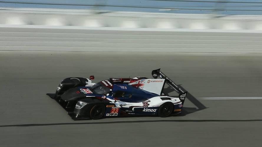 Alonso mejora medio segundo y termina 11º el tercer test en Daytona
