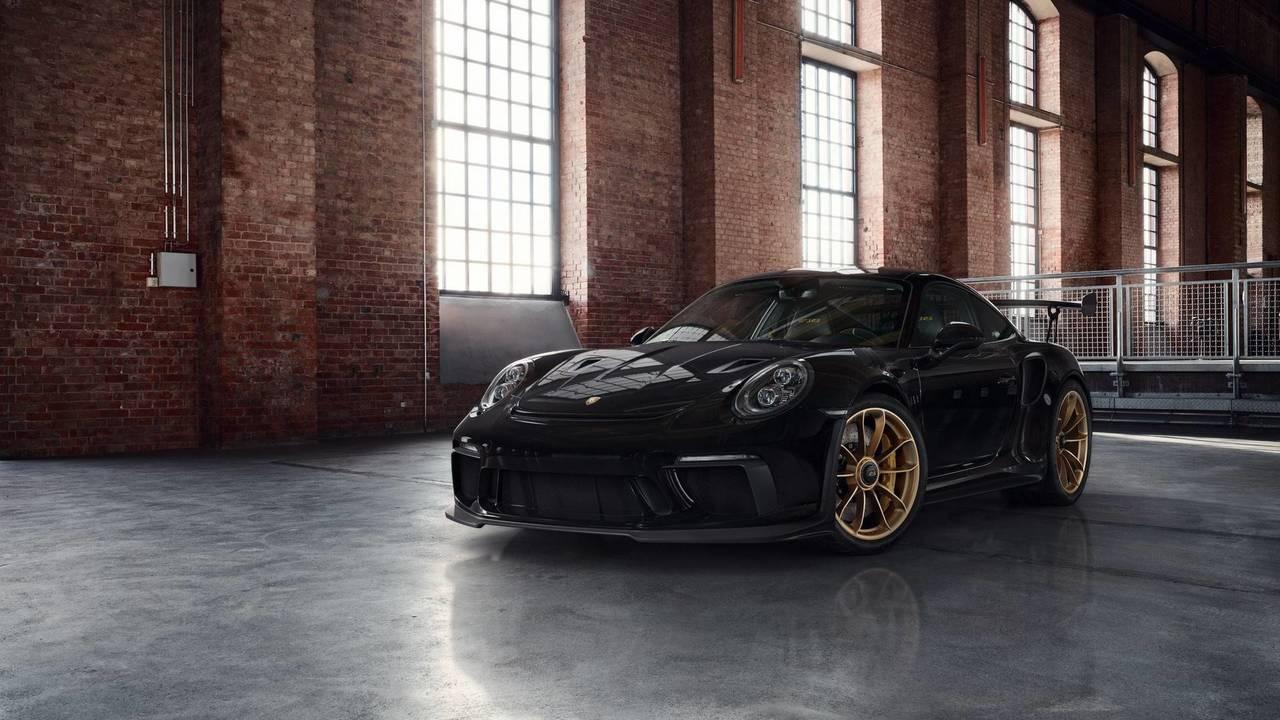 Altın rengi jantları ile Porsche 911 GT3 RS
