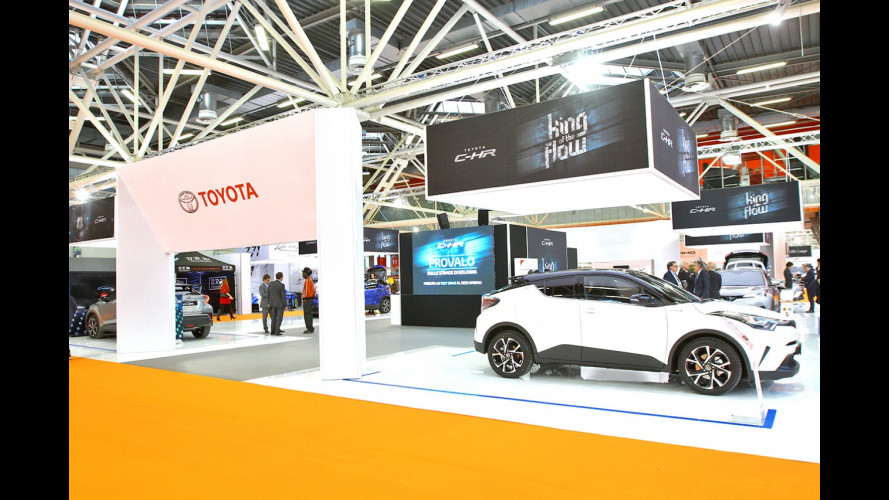 Motor Show 2016, allo stand Toyota la star è la C-HR [VIDEO]