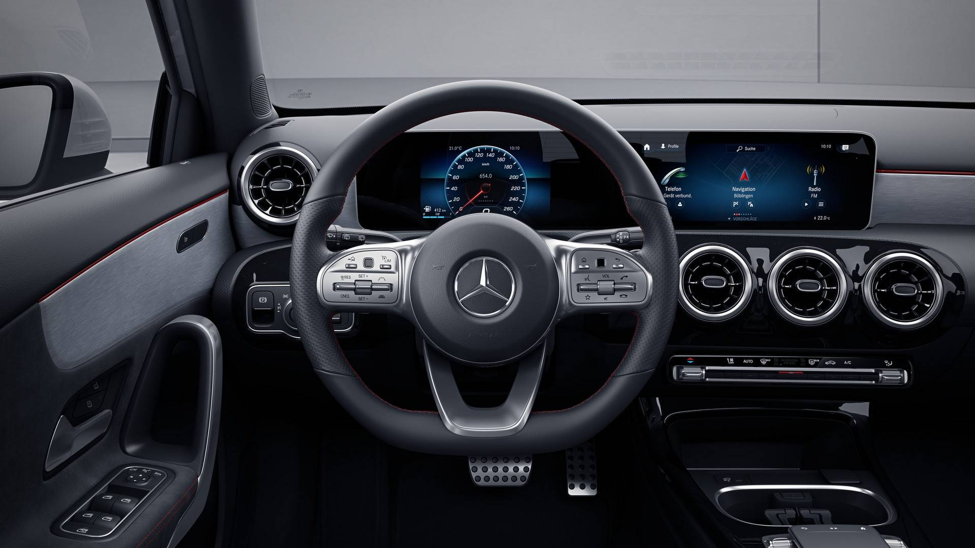 Mercedes Explains Why 2019 C-Class Doesn't Have MBUX