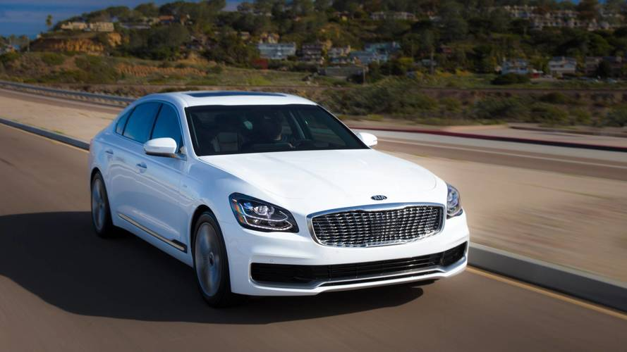 Kia: The 2019 K900 And Genesis G90 Are 'Basically The Same Car'