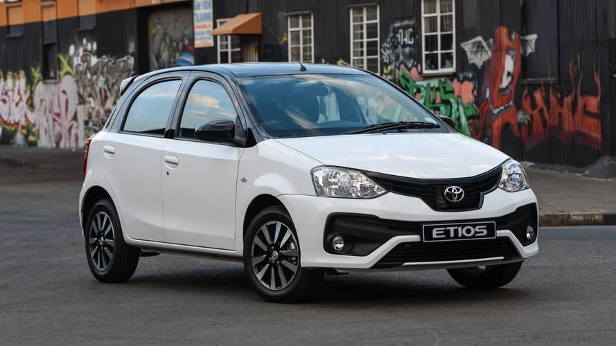 Toyota Etios ganha edição Sport com pintura bicolor e painel exclusivo