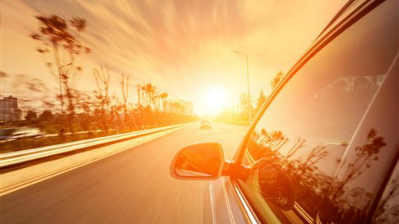 Grande caldo, come difendersi in auto dalla luce del Sole