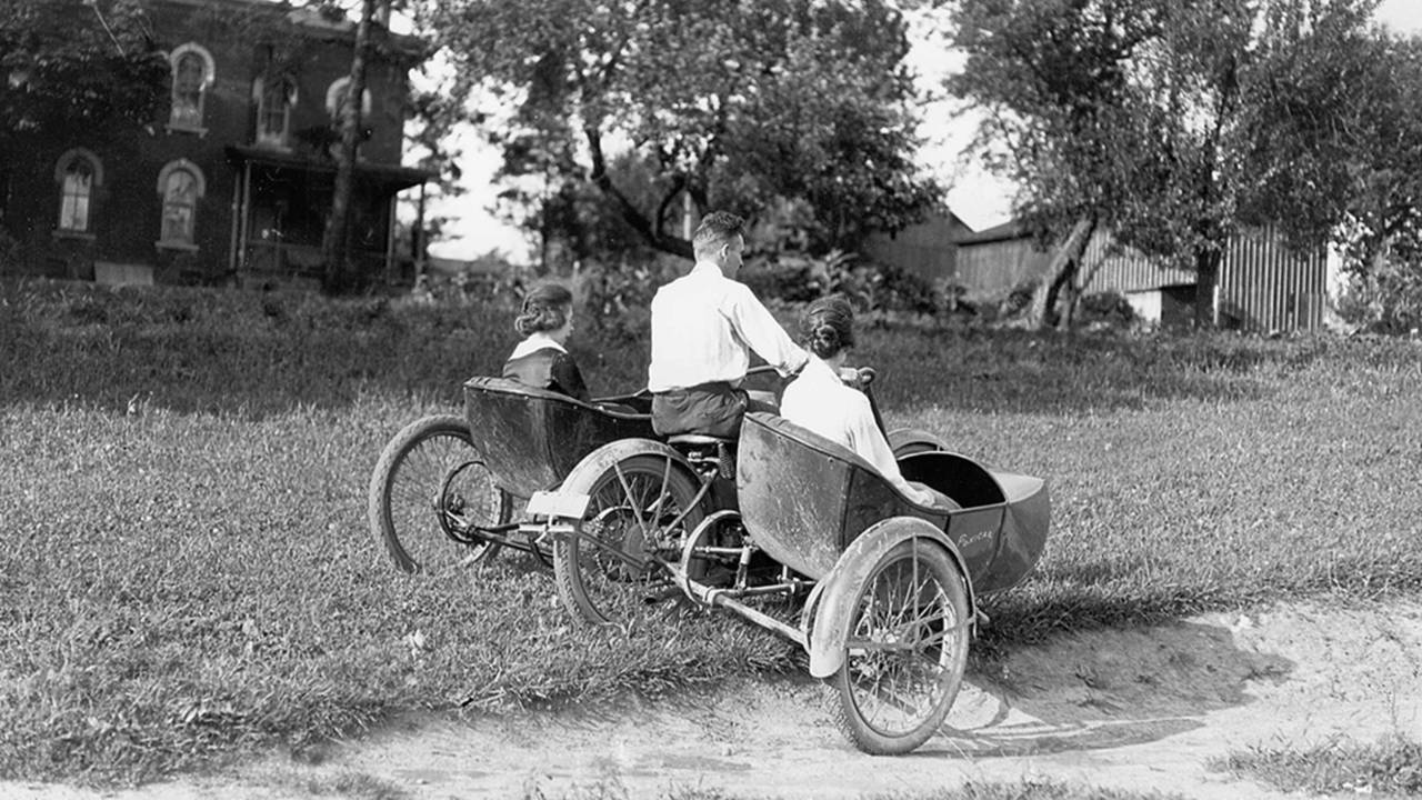 <strong>Testing two Flxible sidecars on one motorcycle. Not practical for riding, but gets the point across. Photo courtesy of the CRF Museum / Mohican Historical Society, Loudonville Ohio.</strong>