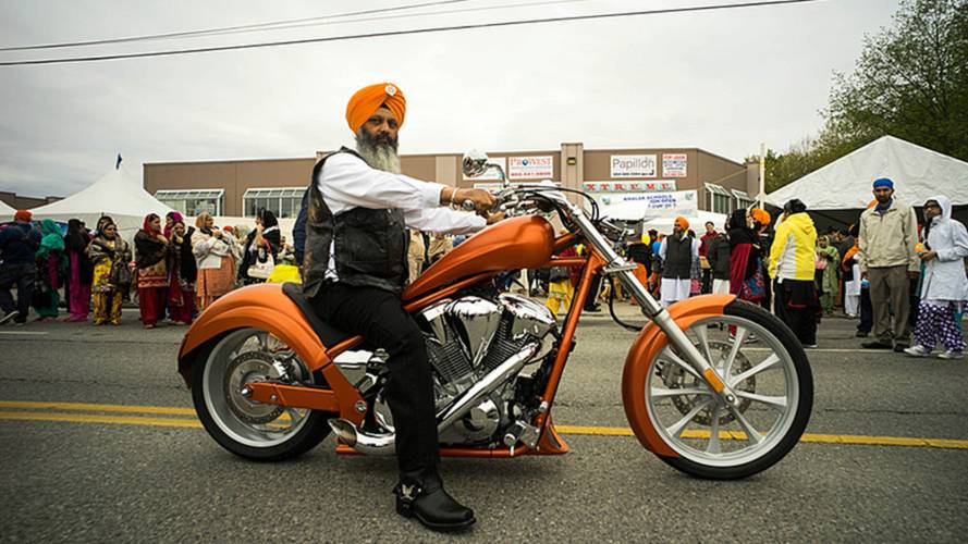 Alberta to Allow Turban-Sporting Sikhs to Ride Sans Helmet