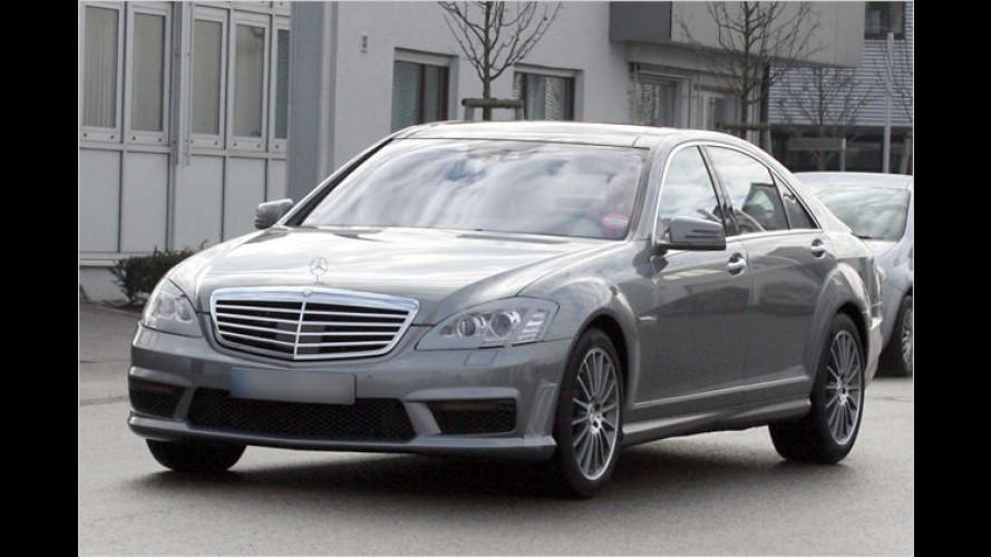Erwischt: Mercedes setzt auf Leistung und Länge