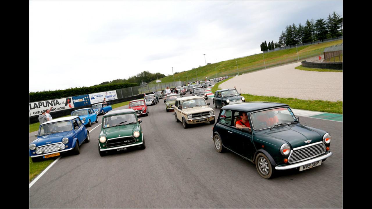 Teilweise ging es ganz schön eng zu, so viele Autos waren gleichzeitig auf der Strecke unterwegs.