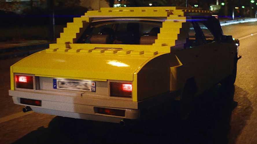 UberToys - Des voitures d'enfants grandeur nature envahissent Paris