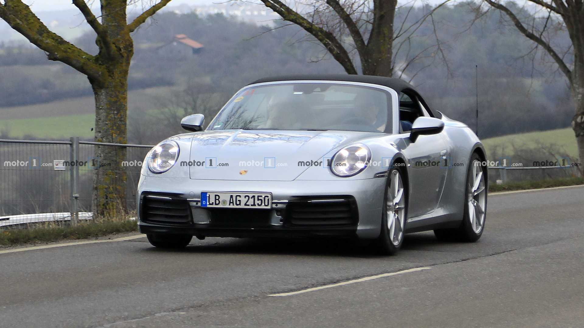 992 CAB  New-porsche-911-cabrio-spy-photo