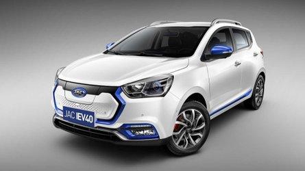 JAC iEV40 começa a ser vendido por R$ 139.990