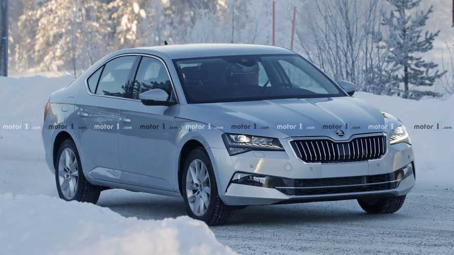 2019 Skoda Superb facelift spied with minimal camouflage