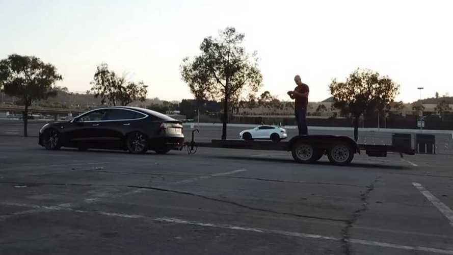 Tesla Model 3, çekici işlevi görecek kadar güçlü mü?