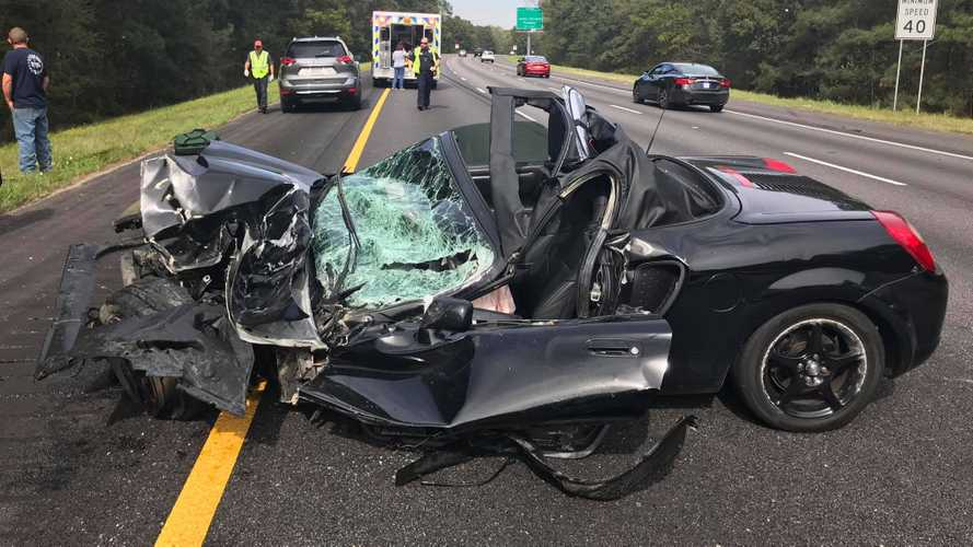 Brutal Toyota MR2 Crash Leaves Driver Only With Minor Injuries