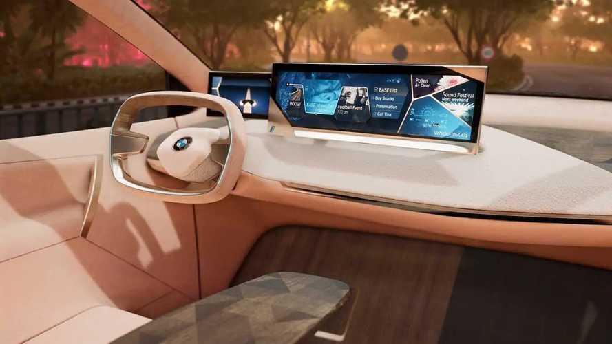 BMW Vision iNEXT, al CES la guida diventa virtuale
