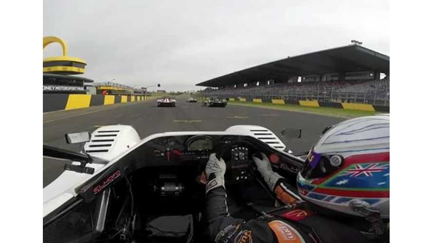 ELMOFO Radical SR8 Electric Racer Tears Up The Track - Video