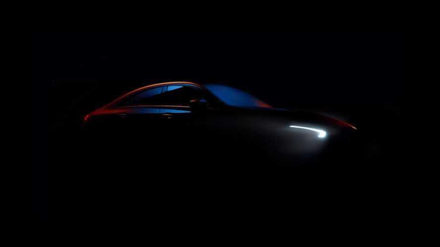 2019 Mercedes CLA'nın yeni teaser'ı, gündüz farlarını gösteriyor
