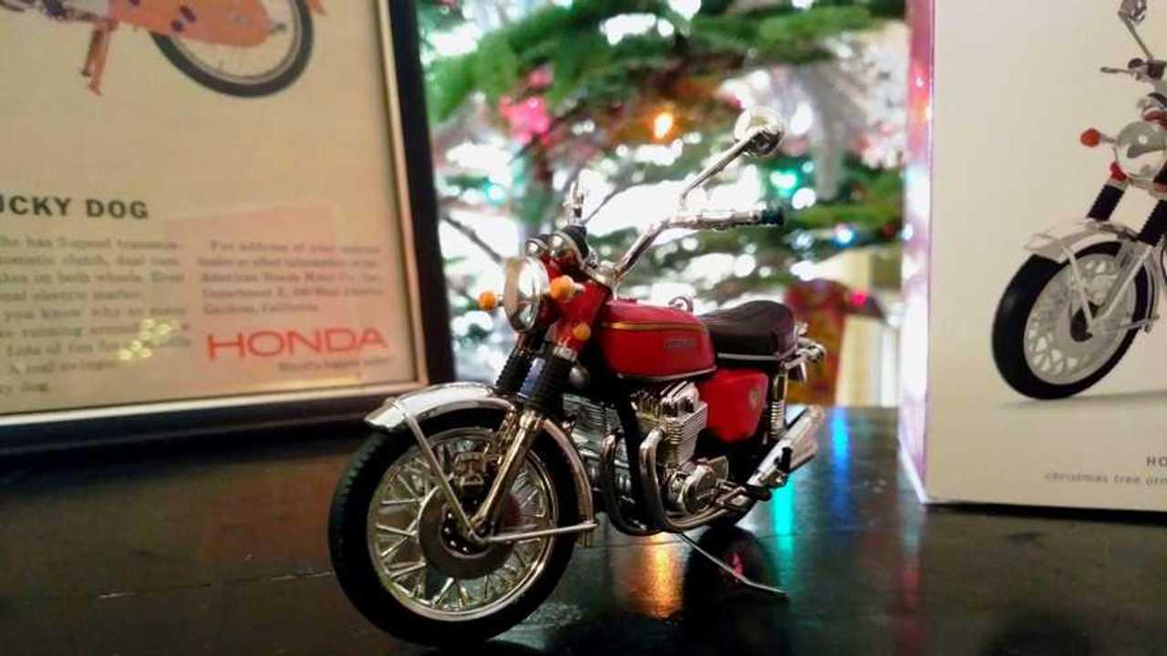 Hallmark Keepsake 1969 Honda CB750 front 1