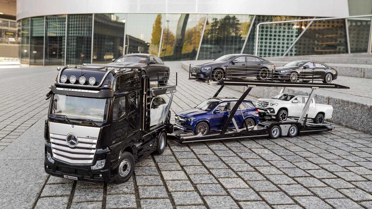 Mercedes-Benz Actros Car Transporter Scale Model