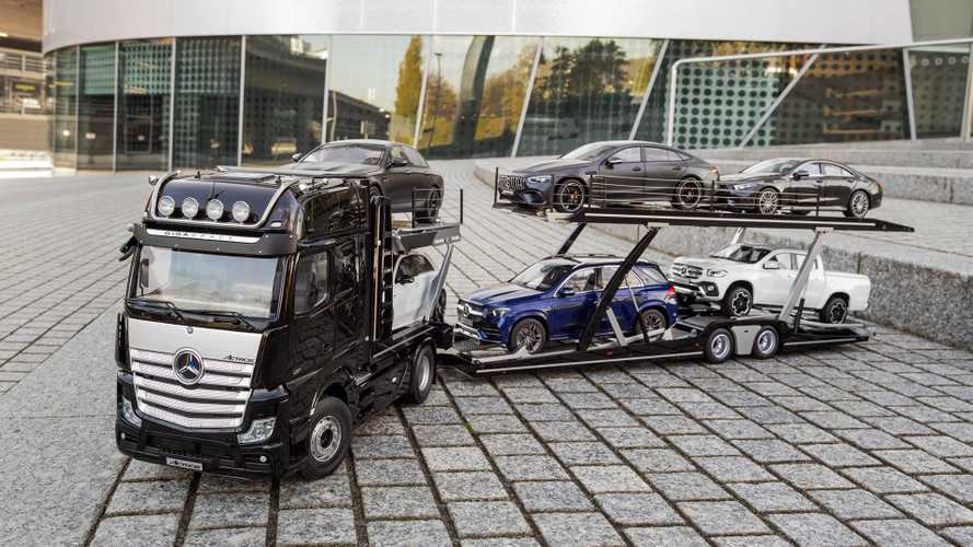 Mercedes car transporter model hauls your 1:18-scale collection