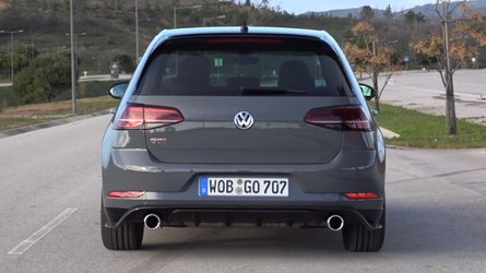 Watch VW Golf GTI TCR under hard acceleration
