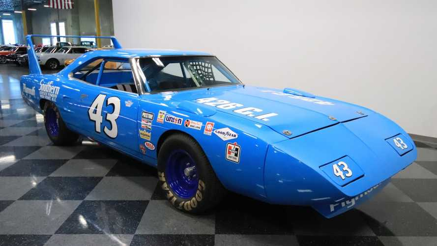 This 1970 Plymouth Superbird Richard Petty Replica Is Pure Nostalgia