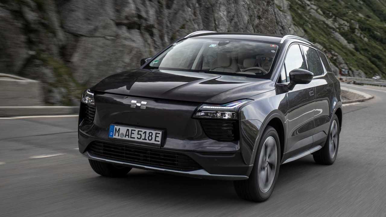 Aiways U5 (2020): Das neue Elektro-SUV in voller Fahrt