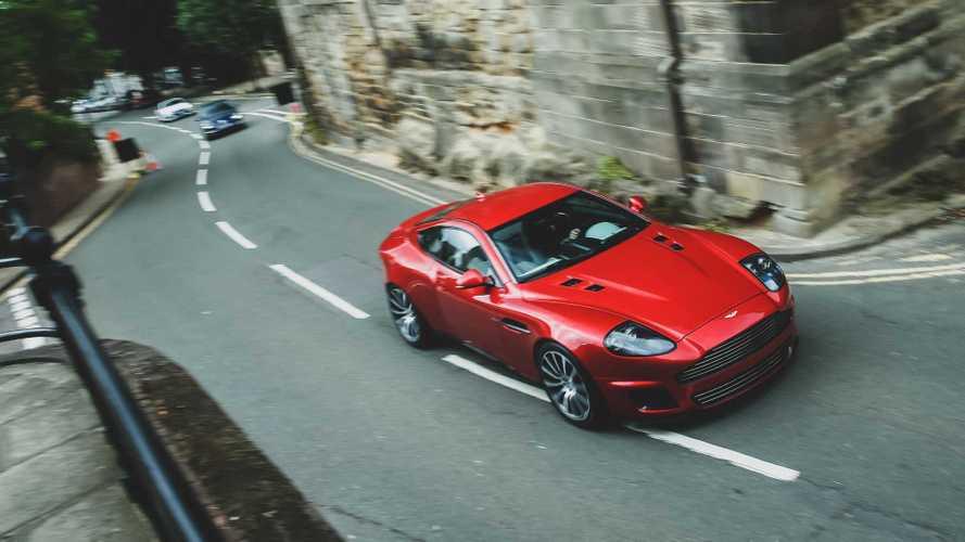 Экс-дизайнер Jaguar показал, как улучшил пожилой Aston Martin
