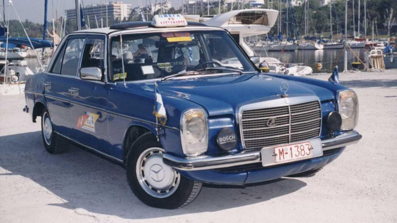 Mercedes-Benz 240D (1976) - Plus de 4,5 millions de kilomètres