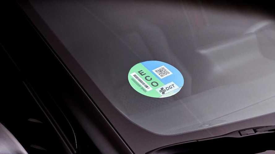 La DGT esperará para la reforma de las etiquetas de los coches