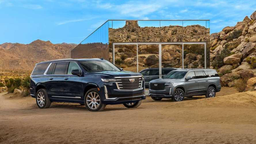 Появилось первое фото удлиненного Cadillac Escalade ESV