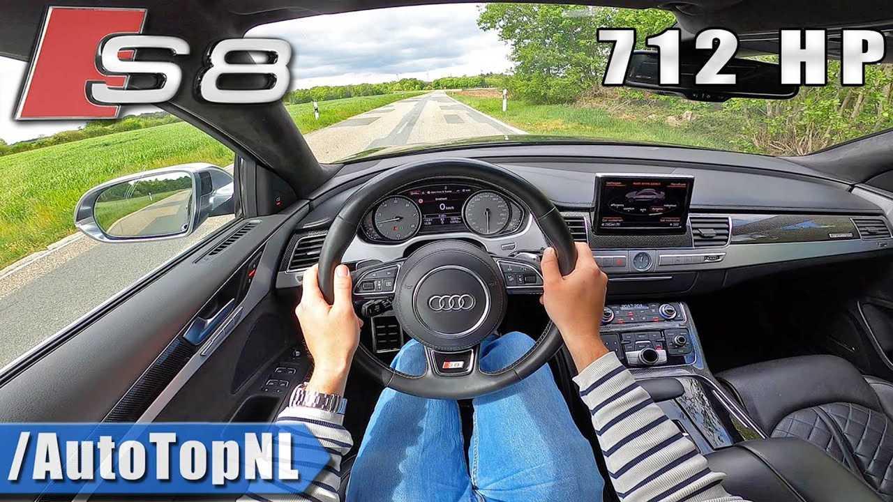 Audi S8 belső nézet