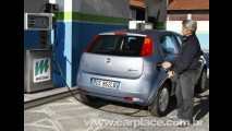Fiat Punto Natural Power - Modelo ganha opção flex à gasolina e gás na Itália