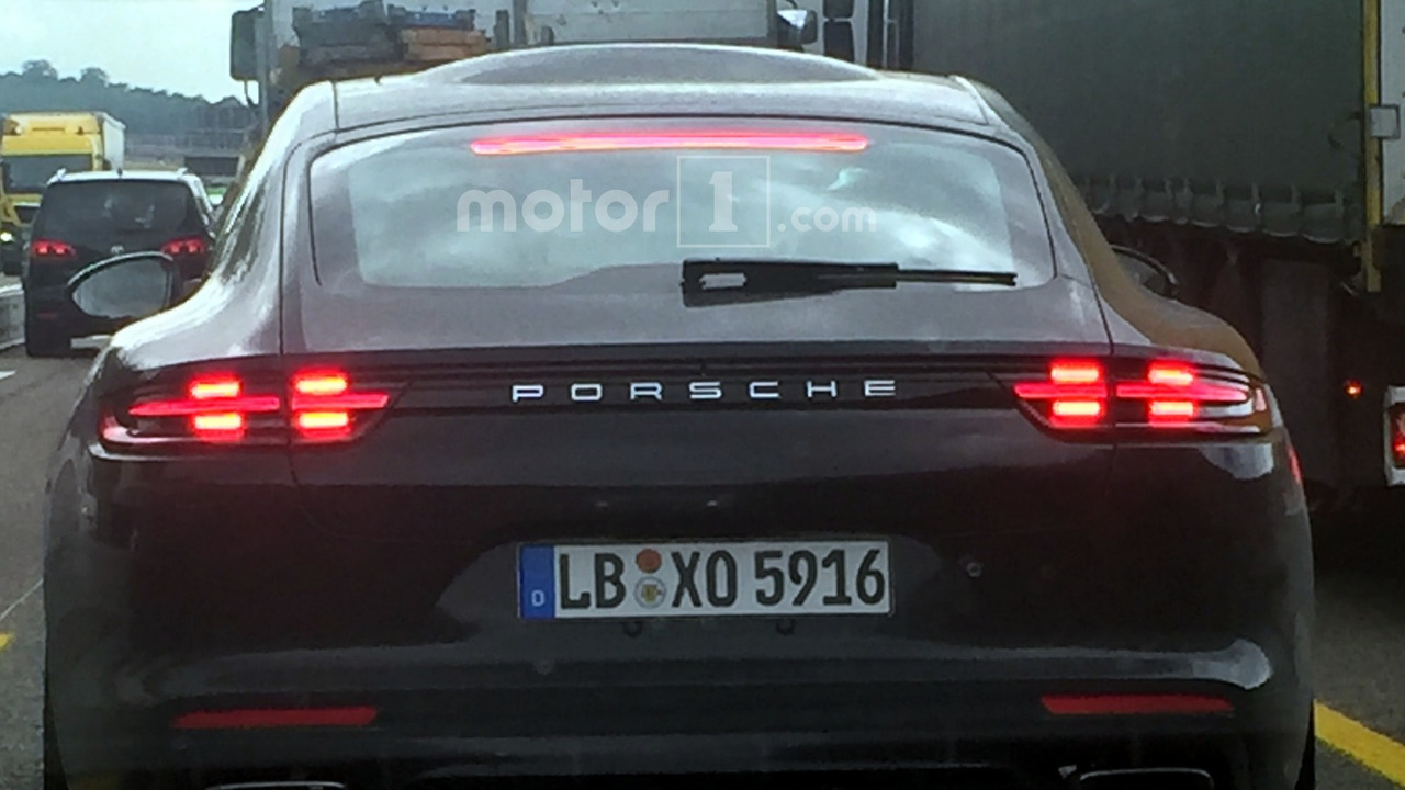 Porsche Panamera roof bubble spy