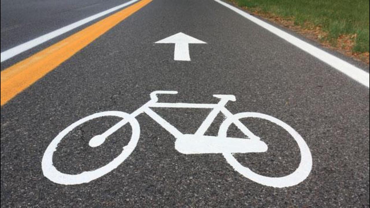 [Copertina] - Nel 2012 sono state vendute più bici che auto