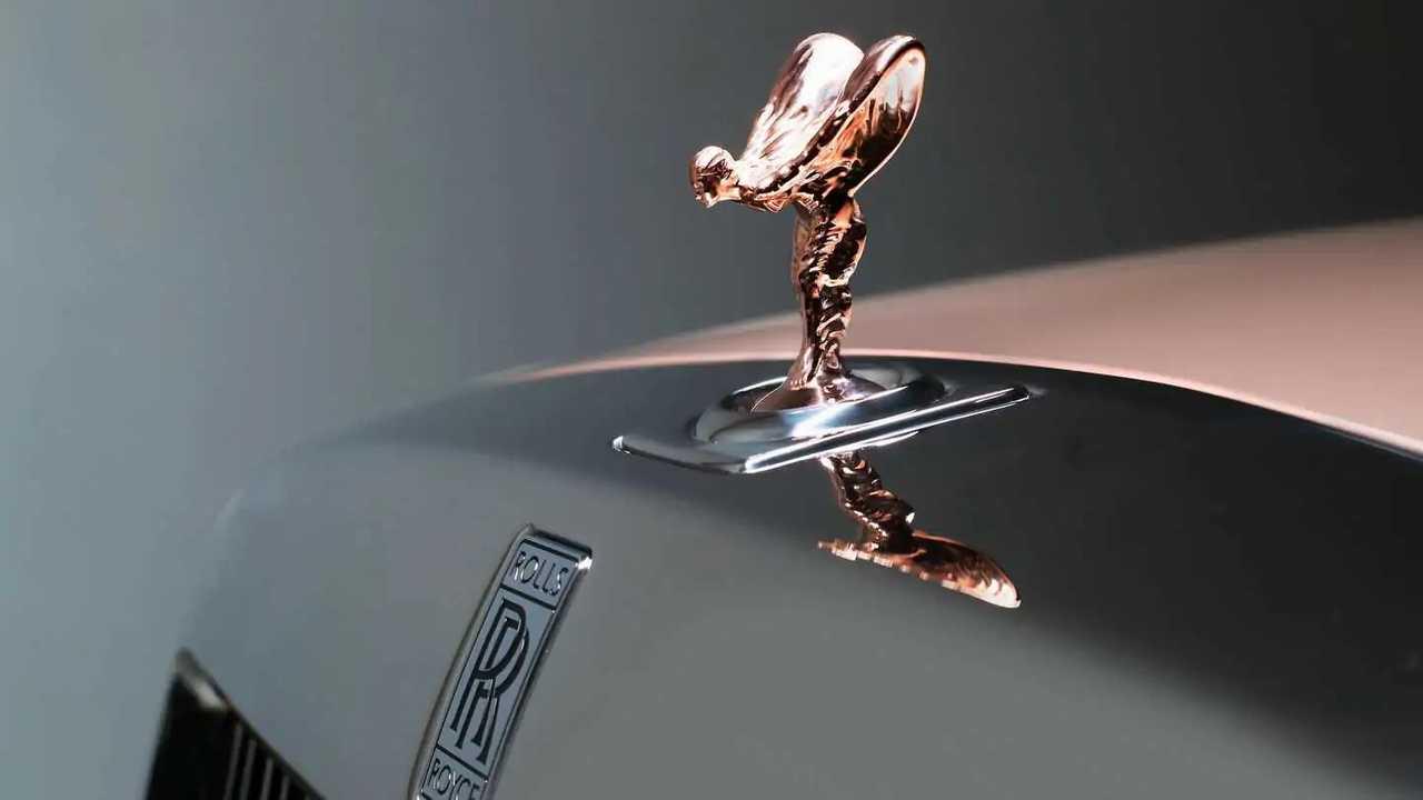 Spirit of Ecstasy, 10 cose da sapere sulla statuetta della Rolls-Royce