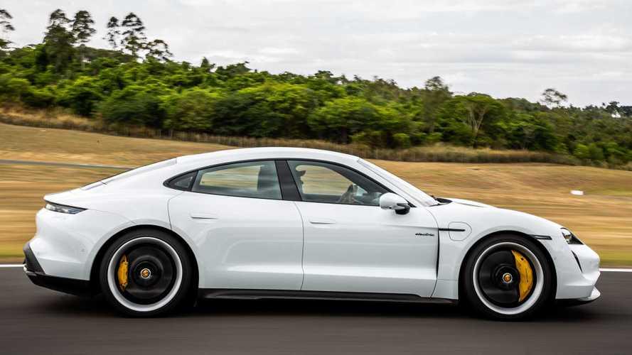 Recém-lançado no Brasil, Porsche Taycan emplacou 20.000 unidades em 2020