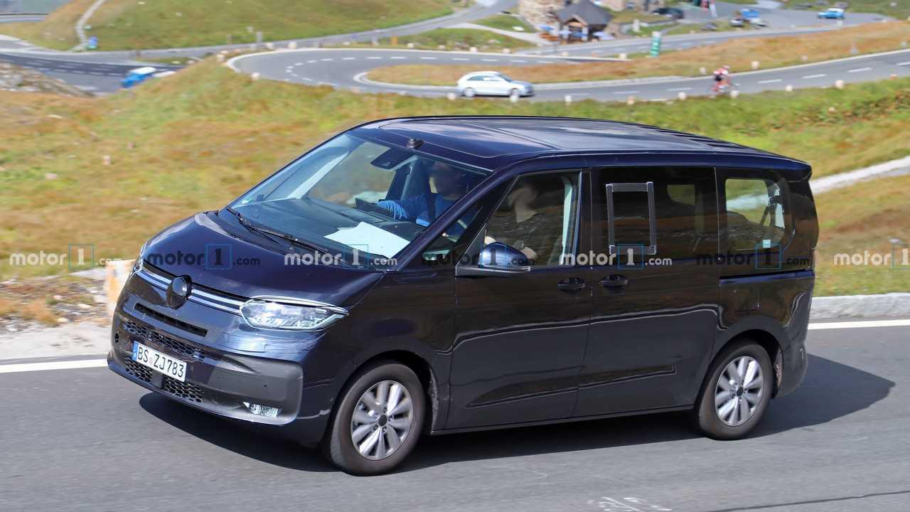 VW Transporter T7 PHEV spy photo (exterior)