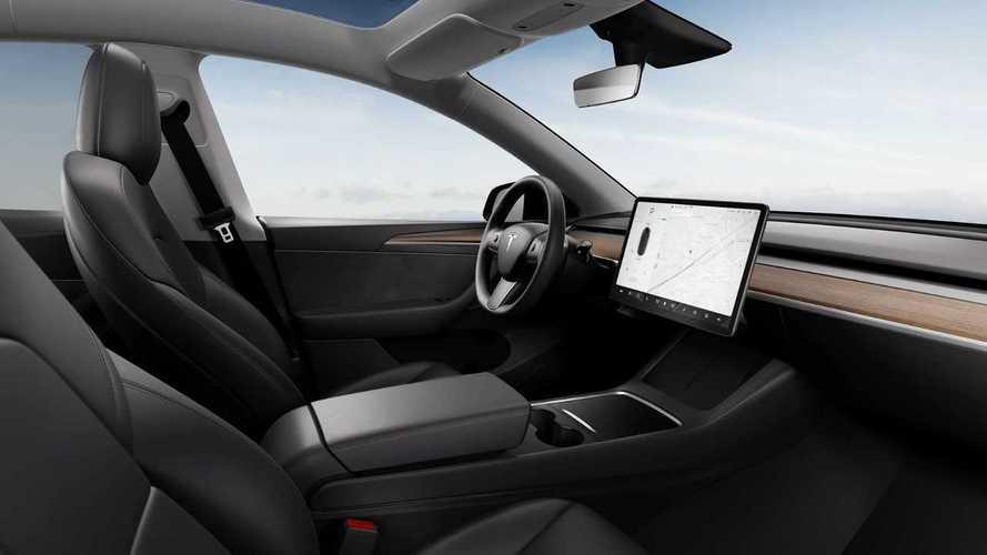 Goodbye Frozen Fingers: Tesla Model Y Heated Steering Wheel Is U.S., Europe-Bound