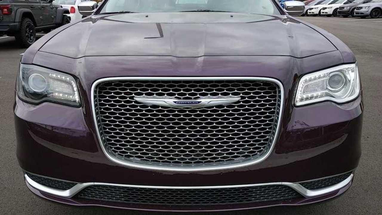 Odd 2020 Chrysler 300