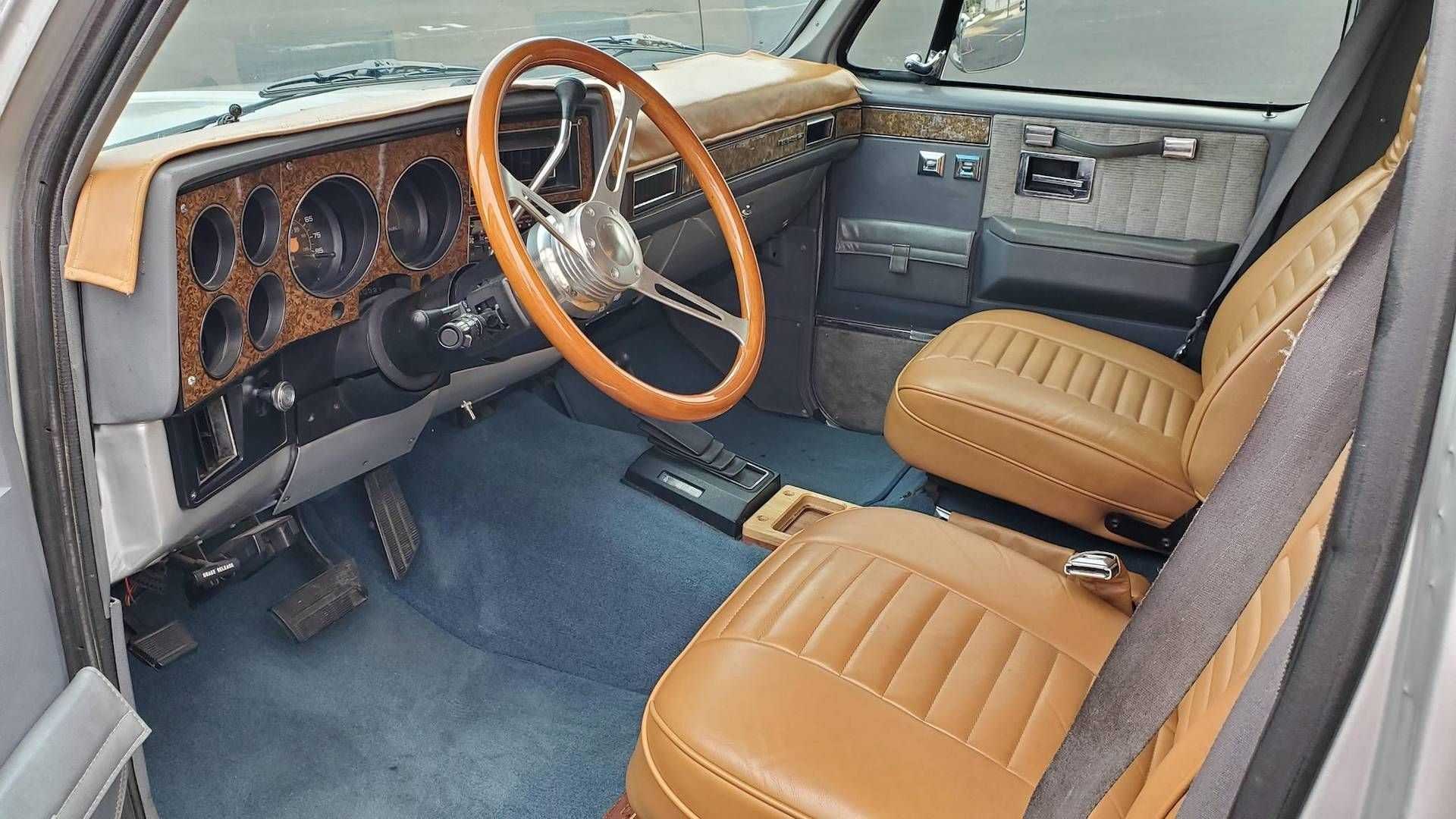 This Good Looking 1989 Chevy Suburban Camper Could Be Yours Automotobuzz Com