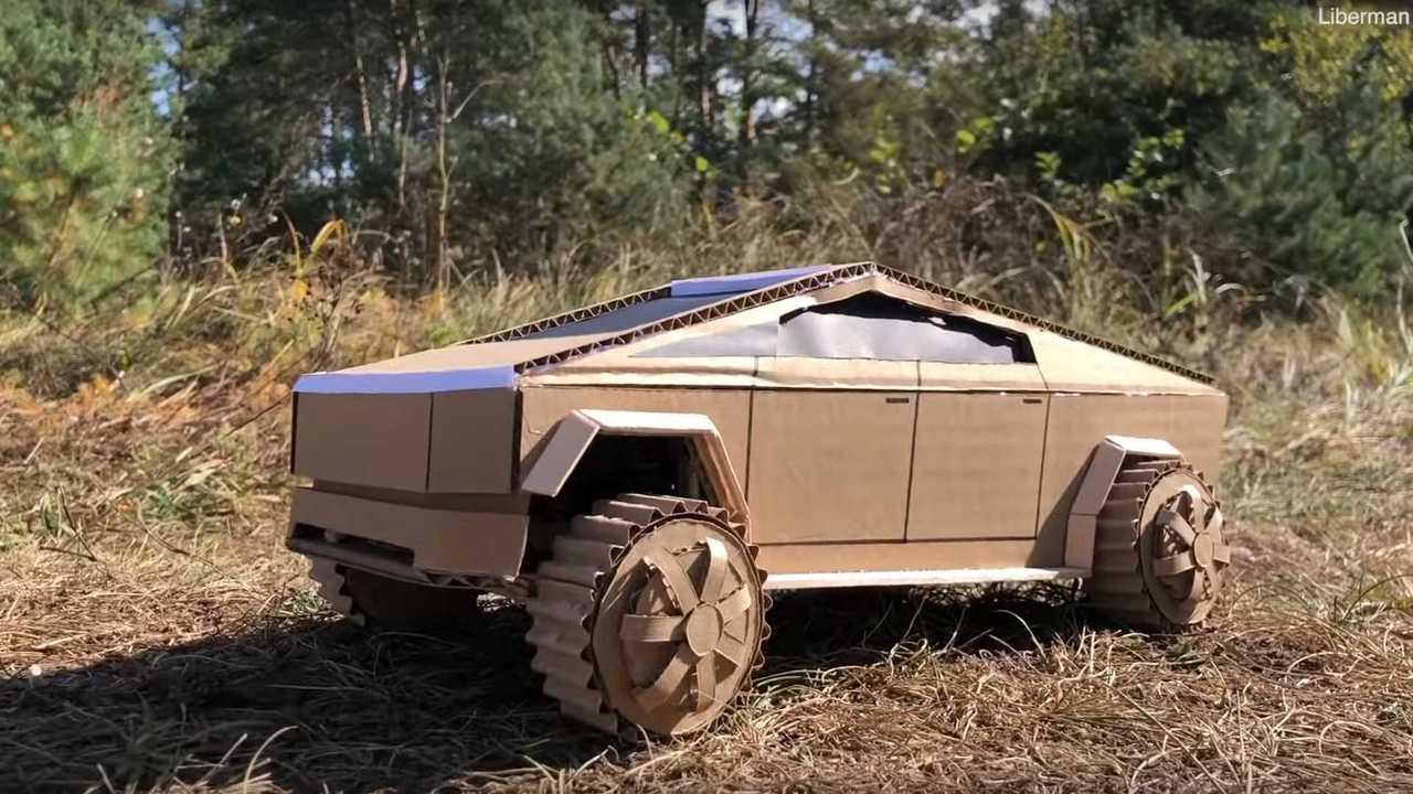 Картонный Tesla Cybertruck от Liberman